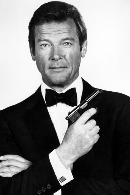 story-superleggero_goodbye_sir_roger_moore_1.jpg