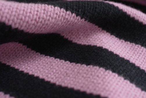superleggero_detail_snood_equipe_pink_black