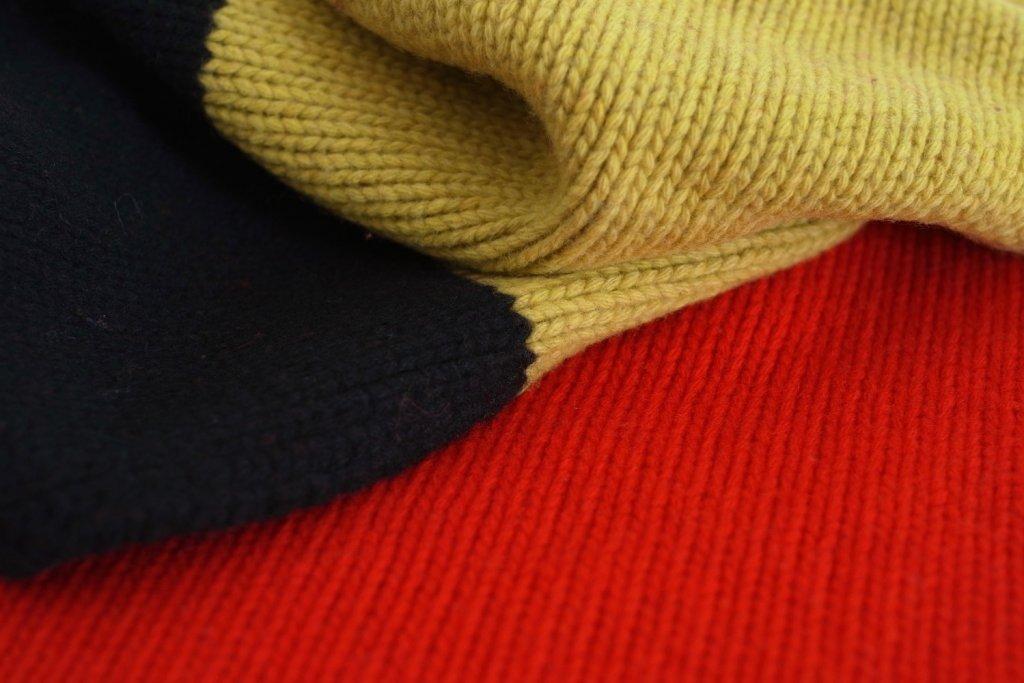 superleggero_detail_mondiale_extra-long_scarf_belgique.jpeg