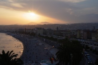 story-aerodinamica_a_propos_de_nice_last_sunset_on_the_promenade_des_anglais_1.jpg